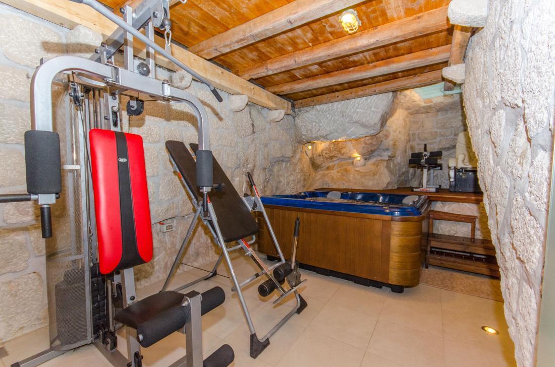 Croatia Zivogosce Strnj - Luxury Villa STRNJ with poll, sauna & jacuzzi